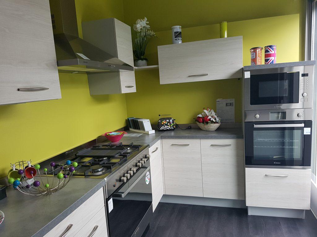elegant cuisine plus aubiere with cuisine plus aubiere. Black Bedroom Furniture Sets. Home Design Ideas