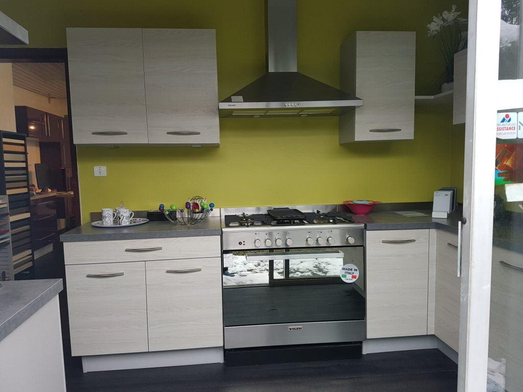 cuisine plus aubiere with cuisine plus aubiere. Black Bedroom Furniture Sets. Home Design Ideas